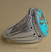 Indian native american Navajo sterling silver ring with sky blue oval turquoise